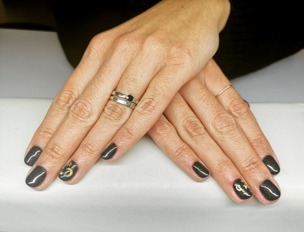 Tia Nails