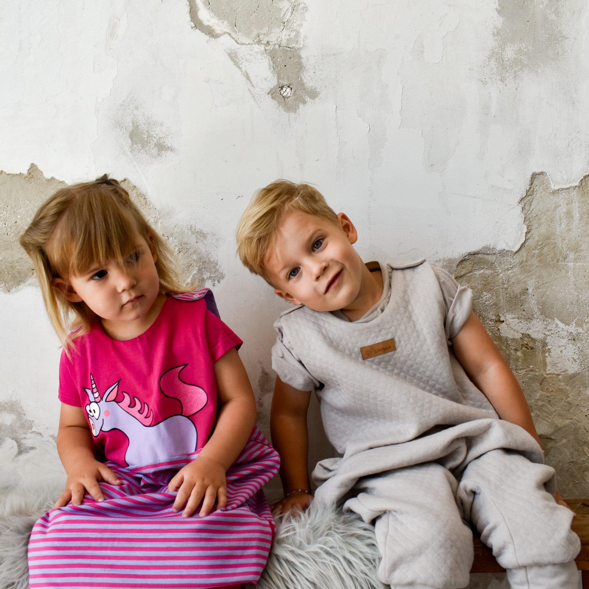 Cseppke hálózsákokban gyerkek a Minimagon