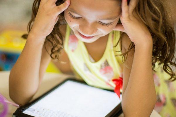 Van-e élet a kütyün túl? Gondolatok a digitalizáció és a gyermeknevelés kapcsolatáról