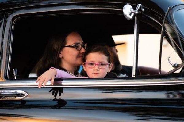 Praktikanya megint pánikban: 3 gyerek és már rögtön kisbusz?