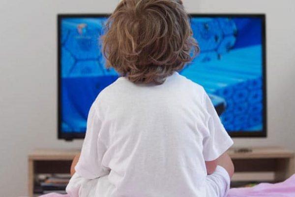 Már napi 1 óra képernyőidő is instabillá teszi érzelmileg a gyereket