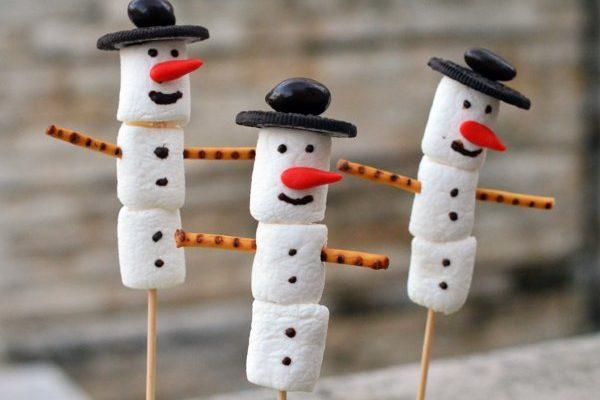 Gyors kis adventi móka: készítsünk pillecukor hóembert!