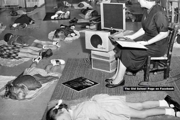 Így aludtak a gyerekek az óvodában 1950-ben?