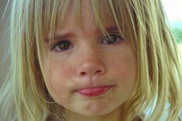 A kislányok fájdalmát kevésbé veszik komolyan a felnőttek