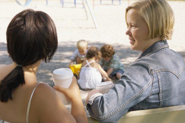 Melyik játszótéri anyuka vagy? – vállaltan sztereotípiáktól hemzsegő kvíz önironikus anyáknak