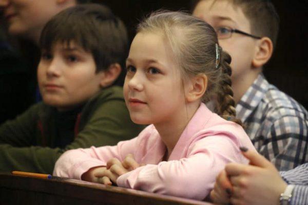 """""""Mintha a szüleim referenciamunkája lettem volna"""" – Pedagógus szülők iskolakeresőben"""