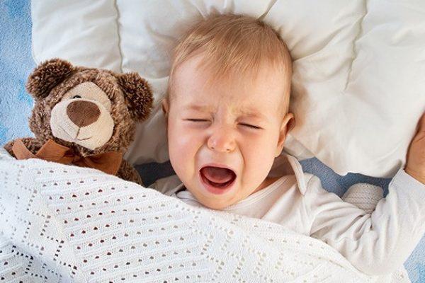 Így nyugtasd meg az álmában síró babát!