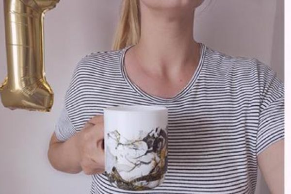 DIY Anyáknapi bögre: márványos kávézgatás