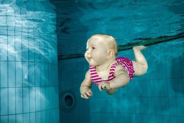 Hány hónapos kortól strandolhat a baba? - A védőnő tanácsai