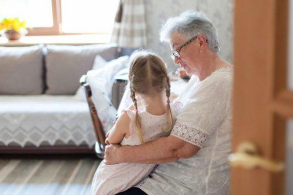 """L. Stipkovits Erika: """"Nem az a jó nagyszülő"""