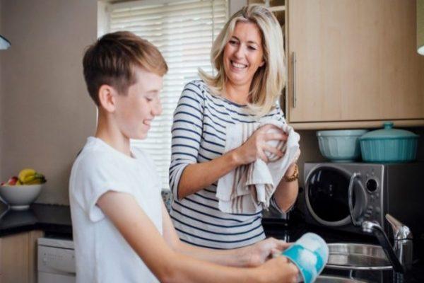 Vond be a gyereket a házimunkába