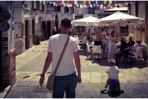 Spanyolországban gyereket nevelni