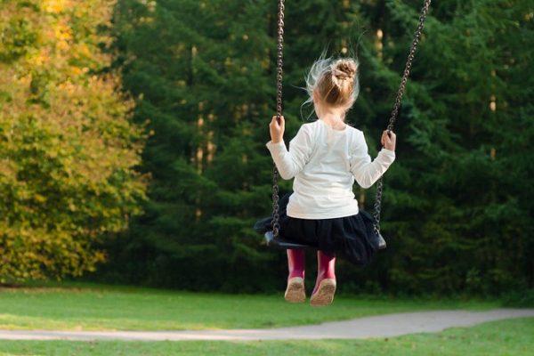 Gyereknek és szülőnek is nagyon fárasztó az intenzív gyereknevelés - egyre többen szállnak ki a mókuskerékből
