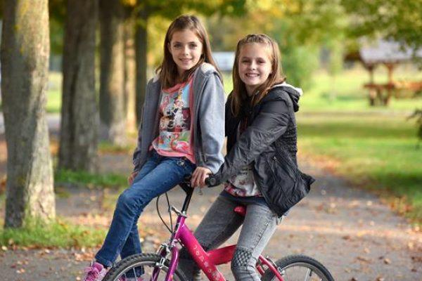 Gyerekkel kétkeréken: kerékpáros tippek kezdőknek és haladóknak