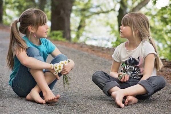 Mobil helyett inkább beszélgessünk a gyerekeinkkel