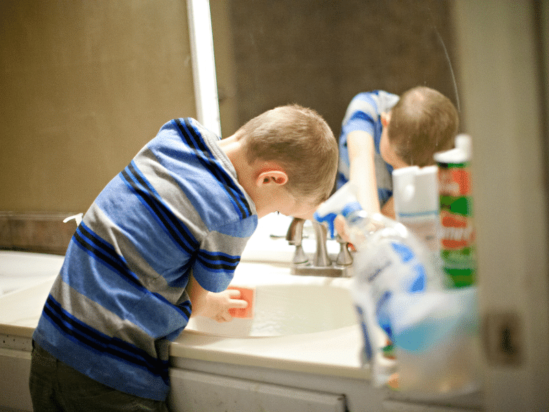 gyerek takarítás minimag