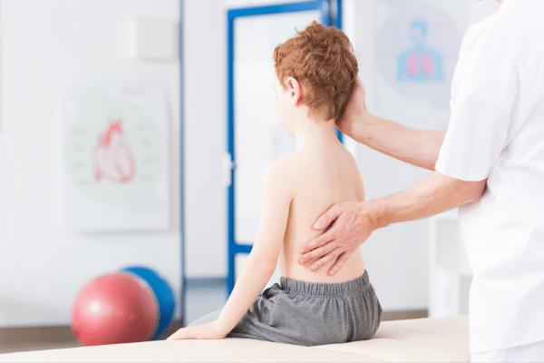 gyermekkori gerincferdules minimag