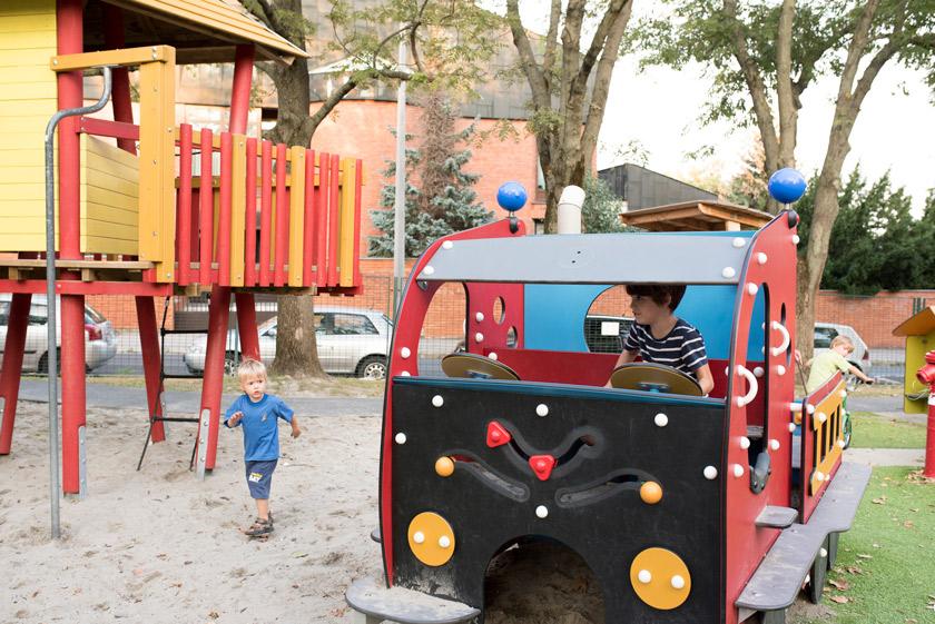 Megújult budapest egyik első játszótere – ilyen lett a tűzoltós játszótér!
