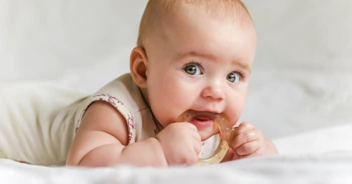 Te mit adsz a gyermeked szájába fogzás idején?
