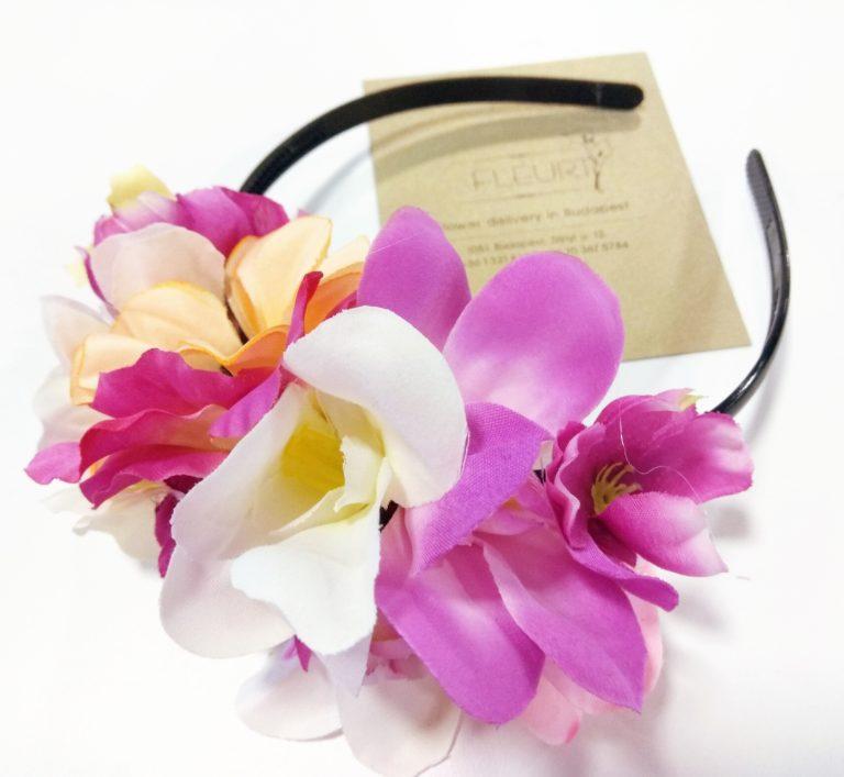 Virág a hajba Így készíts könnyedén virágos fejdíszt