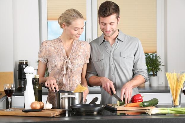 Hogyan főzz meg kisbabád mellett? | Első rész