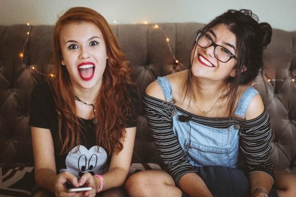 Lehet-e tisztítani egy tinédzser bőrét?