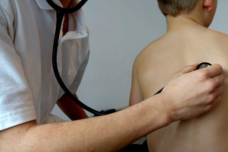 Elavult az iskolai orvosi igazolások rendszere – van-e kiút a megkövesedett rendszerből?